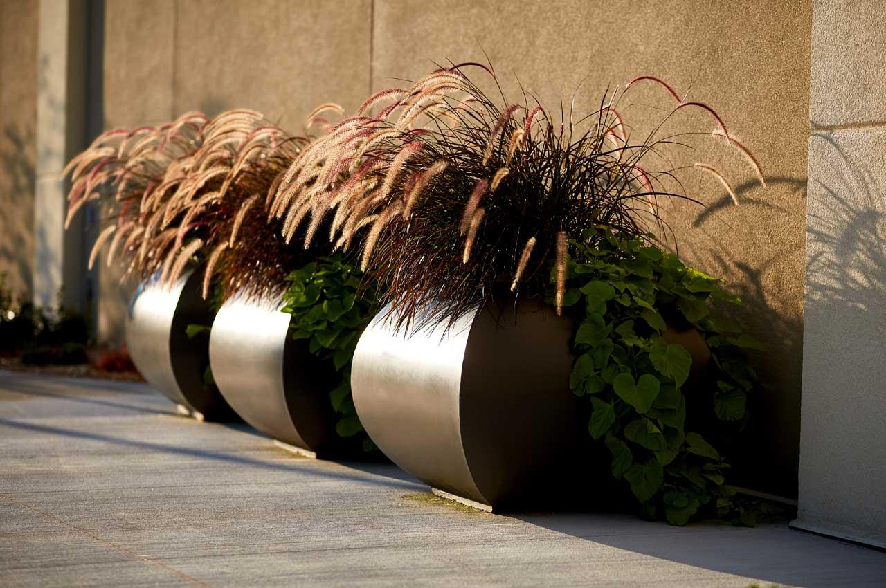 Elan Planters