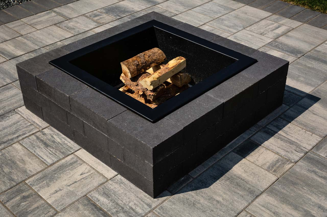 Modern Firepit with Broadway 65mm Patio