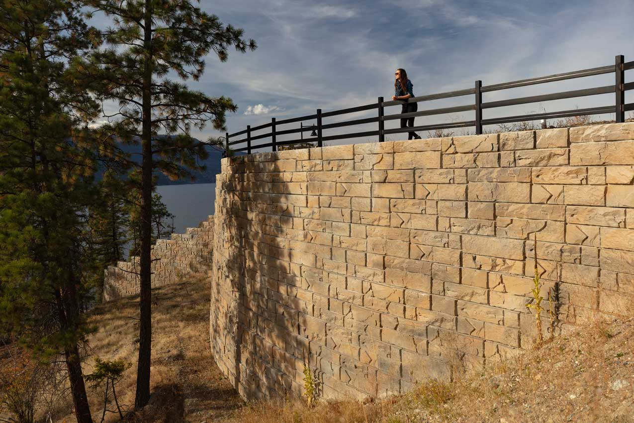Magnumstone Wall