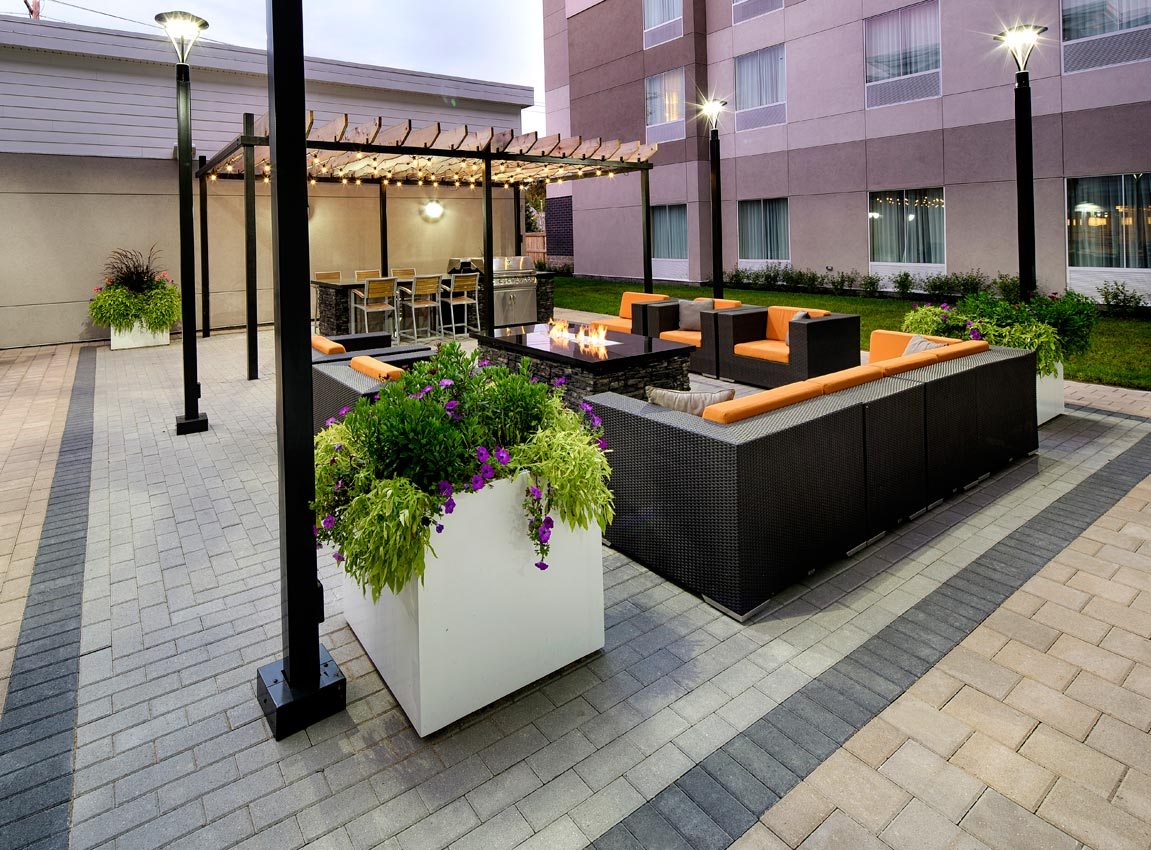 Holland Paver Patio With Cube Planters