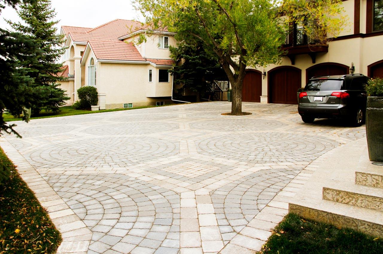 Roman Circle Paver Driveway