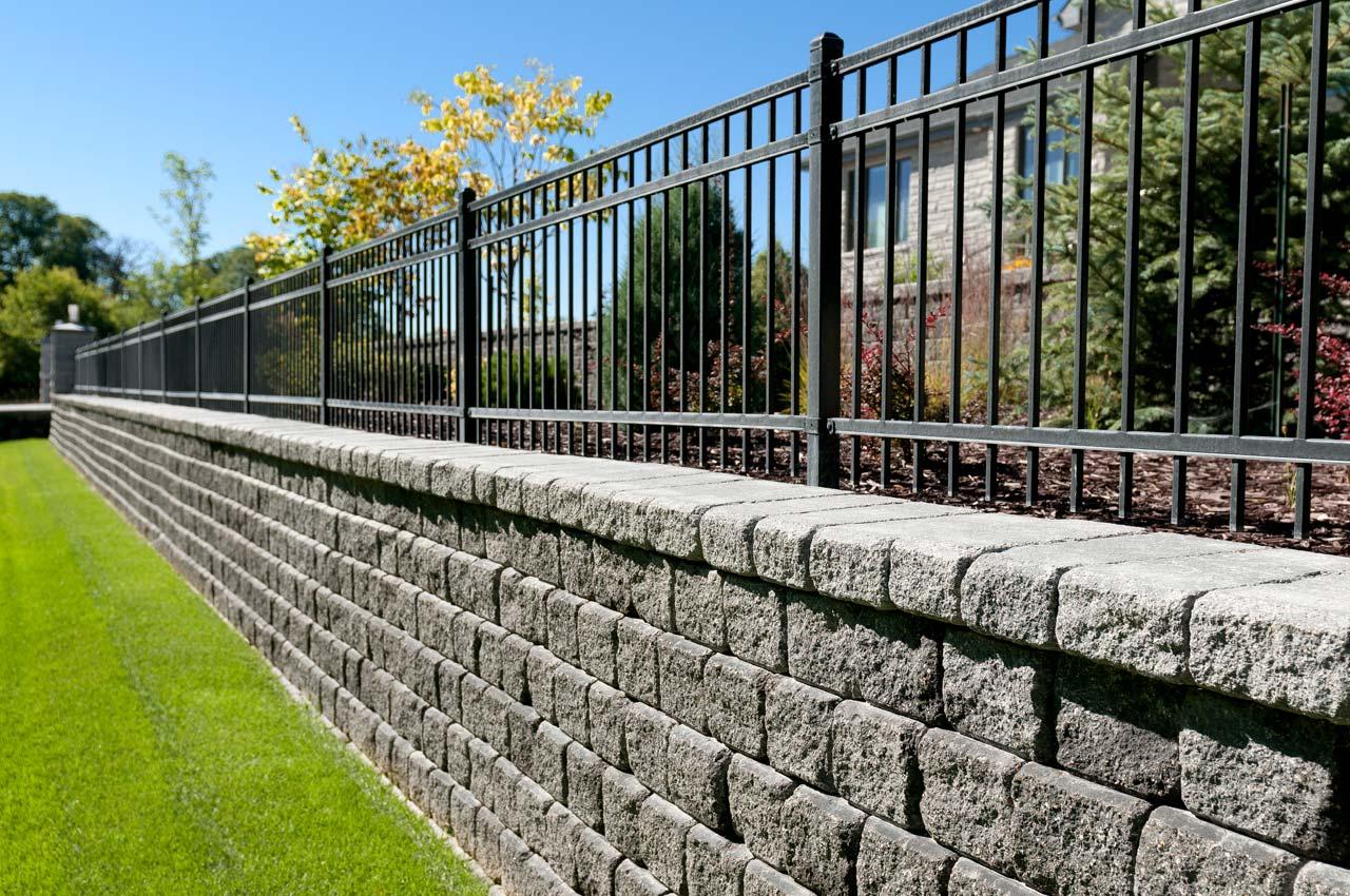 RomanPisa Wall